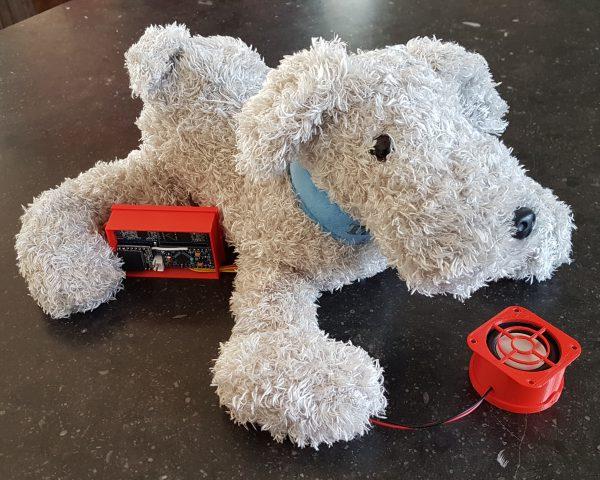 Tellmie 'Buddy' uit het Boijmans Van Beuningen krijgt een onderhoudsbeurt. Werkt alles nog? Yes! Hij kan weer op pad.