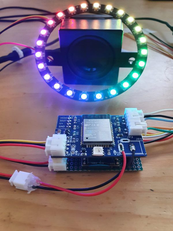 Lekker bezig met de prototype-hardware van een Wowbot!