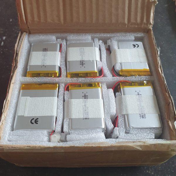 Joepie! Nieuwe lipo-batterijen voor een upgrade van de scheepskatten in Batavialand. Ook binnengekomen gelukkig.